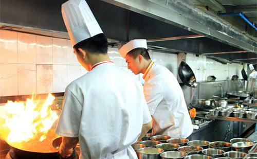 合格的厨师长该具备哪些条件?
