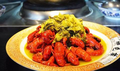 酸菜炒小龙虾