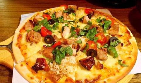 芝士卷边披萨