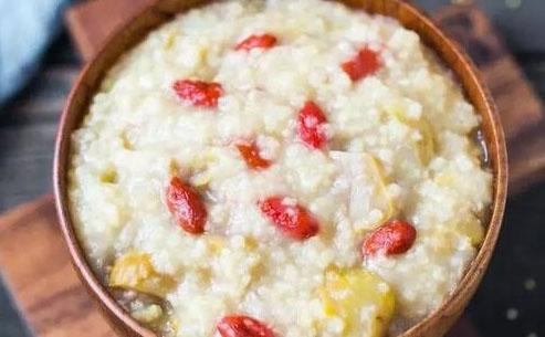 栗子枸杞小米粥