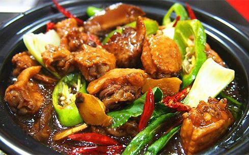 在东莞哪里可以培训黄焖鸡米饭?