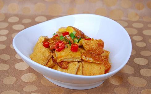 五花肉焖煎豆腐