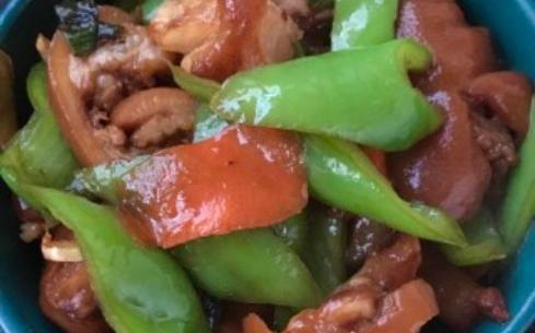 青椒炒酱猪蹄