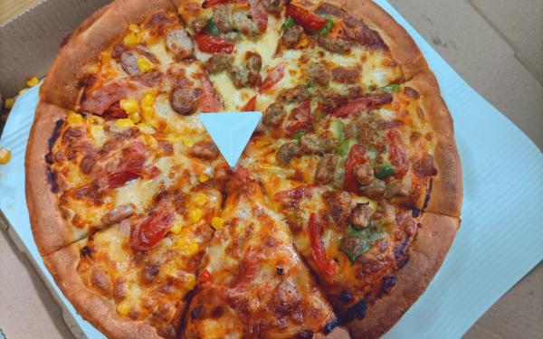 麦卡珑现烤比萨