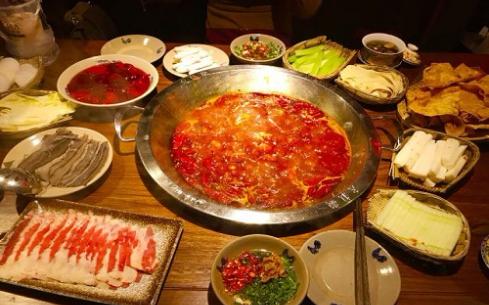 皇城老妈火锅为什么在市场上如此受欢迎?