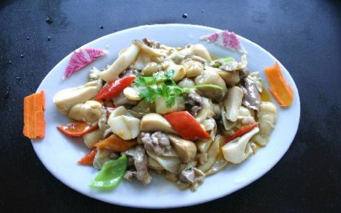小蘑菇炒肉的家常做法,教你一招