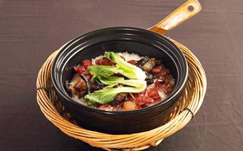 在广州顶正餐饮培训中心学习砂锅饭技术,保证你学成就开店
