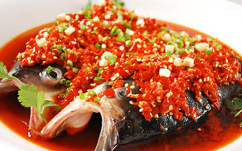 湘菜名菜剁椒鱼头哪里可以学,这家学校全国有分校方便学习