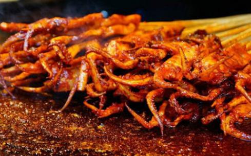 杭州学做轰炸大鱿鱼多少钱,食尚香培训费在行业中较低