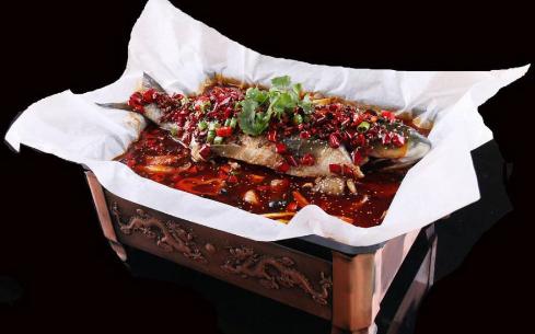 纸包鱼技术在太原什么地方学?山西太原食大大小吃培训中心