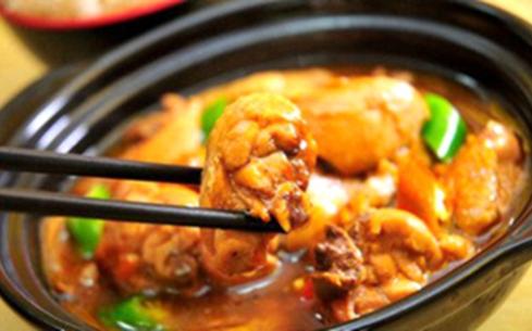 太原学黄焖鸡米饭在哪学?山西太原食大大小吃培训中心