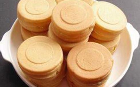武汉学红豆饼怎么样?武汉聚香德餐饮培训学校