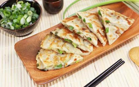天津学葱油饼怎么样?天津培训学校选择龙实同创