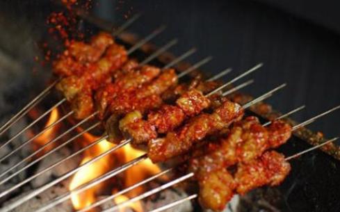 韩风源烧烤涮自助餐厅加盟利润有多少?白领辞职月入三万