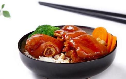 隆江猪脚饭去成都有学习的地方吗,成都飘味香餐饮培训学校能学习吗