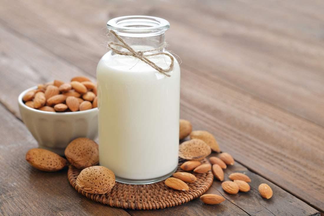 纯牛奶和酸奶,该如何选择?