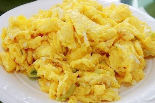 加这两种调料,让炒鸡蛋好吃又营养