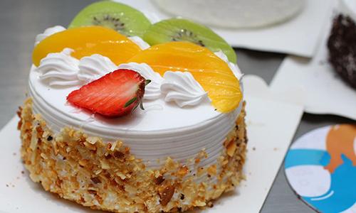 东莞手工水果蛋糕培训,口味丰富,造型美观