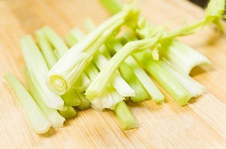 芹菜面条怎么做好吃?