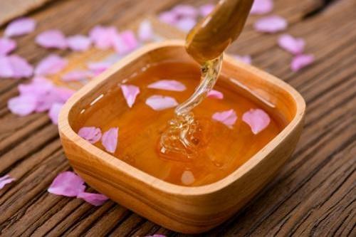 蜂蜜是否要放冰箱里保存?