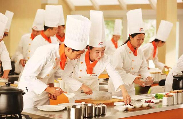 广州新东方学厨师要多久要多少钱