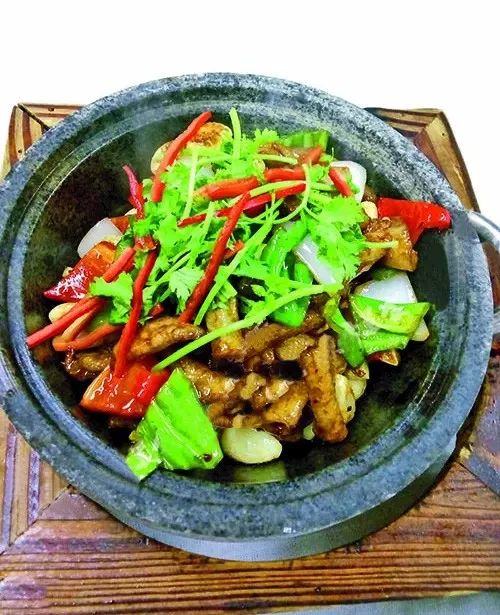 石锅啫啫爽肉筋