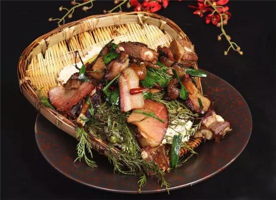 柏枝锅巴腊肉