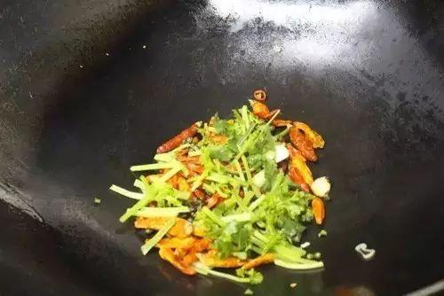 椒麻脆皮鱼鳔的做法