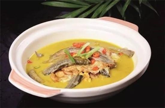 泥鳅焖荷包蛋的做法