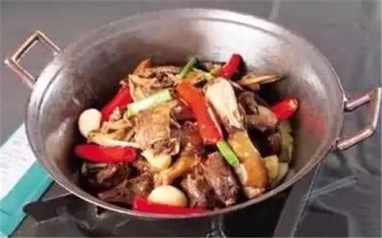 谷香铁锅鸭的做法