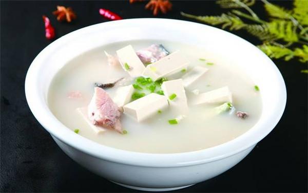 鱼头豆腐汤.jpg