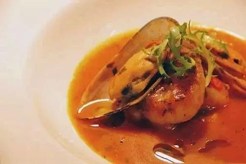 香煎元贝配意式海鲜汤