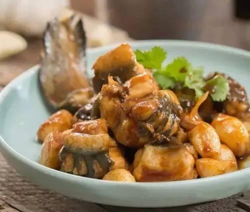蒜子火腩焖大鳝