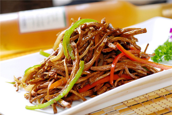 XO酱干煸茶树菇