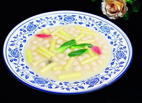 奶汤蒲菜鱼丸