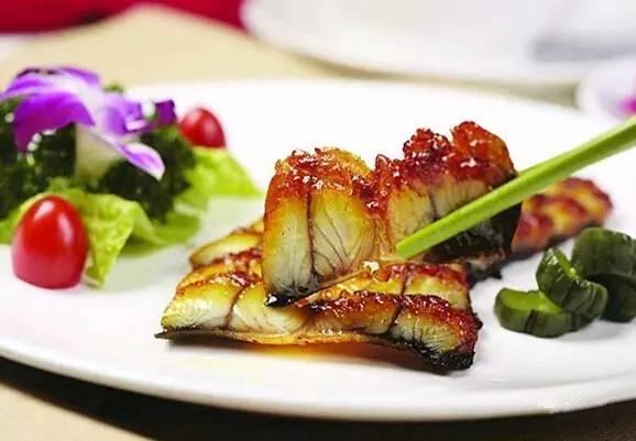 脆香叉烧鳗鱼