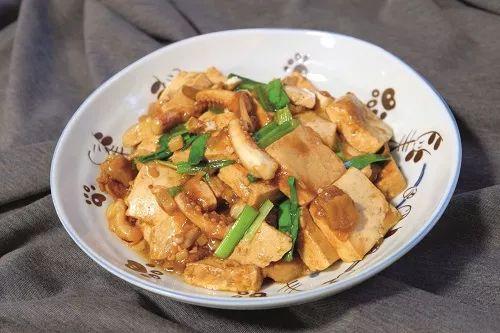 鱿鱼须烧豆腐