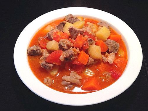 西红柿土豆焖牛腩