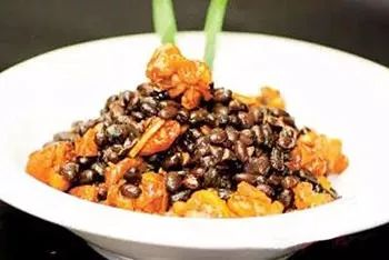 草原柴鸡焖养生黑豆