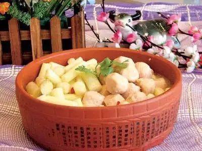 浓汤蒲菜炖虾丸