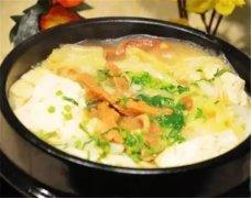 石锅白菜豆腐炖脂渣
