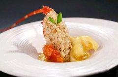 金汁龙虾球配泰香饭