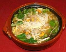 重庆鸡汤砂锅米线