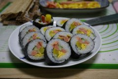 鸡蛋火腿寿司