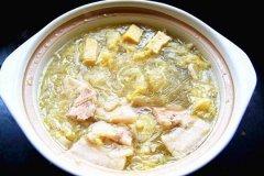 开胃扇骨酸菜粉条汤